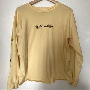 French Pastry wild and free sunflower tee M